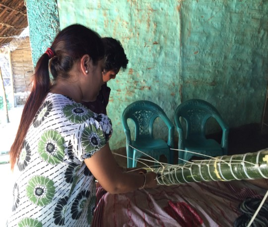Preparation of the bamboo staffing gauges